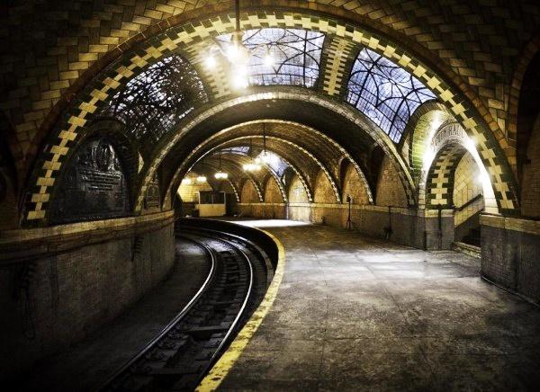 10DECO | Διακόσμηση Εσωτερικού Χώρου: Ένας εγκαταλειμμένος σταθμός… έργο τέχνης!