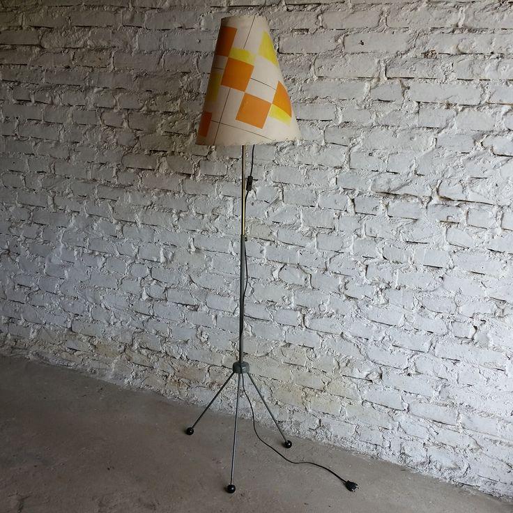 Lampa podłogowa proj. A. Gałecki, lata 60. PRL