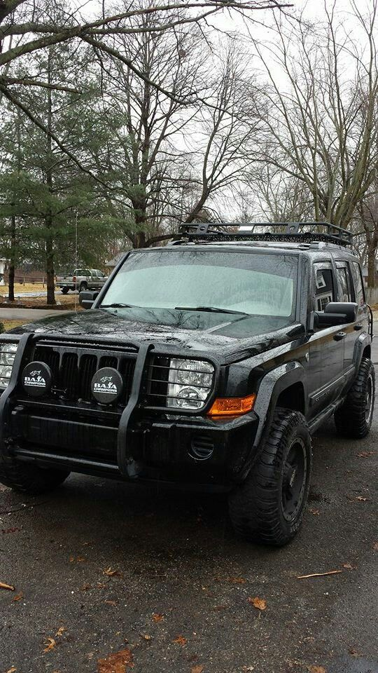 Smittybilt Defender roof rack / cargo basket on the Jeep Today! SDV 3-13-2015