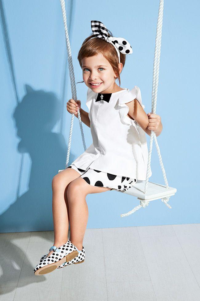 Simonetta Primavera/Verão 2015 Um estilo super chique e glamourosO, fiel à sua classe, Simonetta propõe uma coleção inspirada em temas. Simplefashion