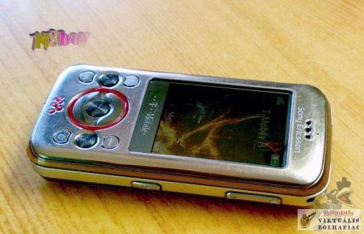Használt, Sony-Ericsson, Ajánlom, hölgyeknek, üzleti, mobilnak, irodába, Töltővel, aksival,  W395, Telekom,