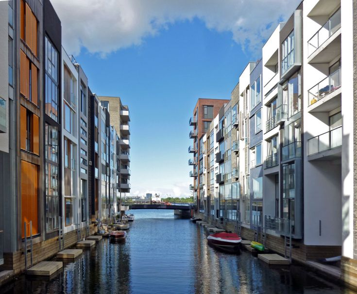 Sluseholmen Canal on the Sluseholmen peninsula. South Harbour area of Copenhagen, Denmark.