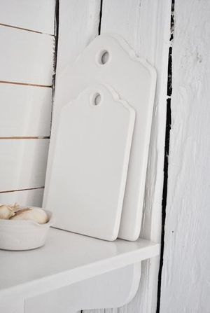 Pretty, practical, hygienic. Love these porcelain cutting boards by House Doctor