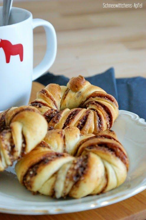 Zimt-Nutella-Knoten http://schneewittchens-apfel.blogspot.de/2014/01/ich-backs-mir-zimt-nutella-knoten.html