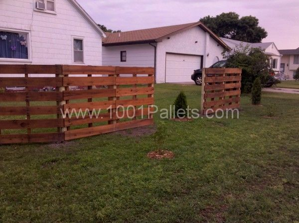pallett yard fence | ... Pallets Fence in pallet garden diy pallet ideas with Pallets Fence