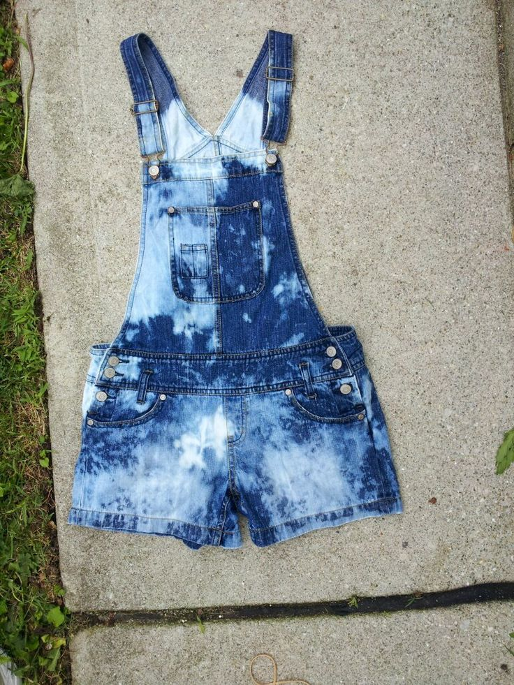 DIY Dip dye bleach denim overall shorts (jorteralls!) perfect summer trend :D #summer #denim