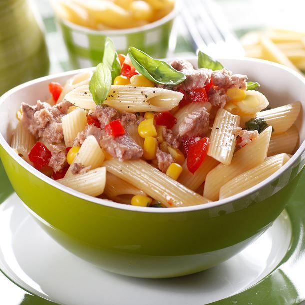 Recette Salade de pâtes au thon, tomate et maïs (facile, rapide)