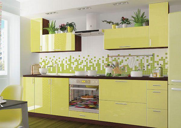 Прямая кухня эконом класса Москва лимонного цвета