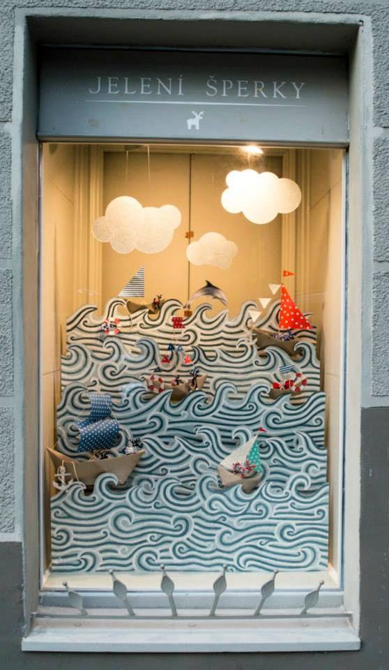 Jelení šperky - Námořnická výloha - Kdo si všimnul vyskakujícího delfína, má bod!  / 2015