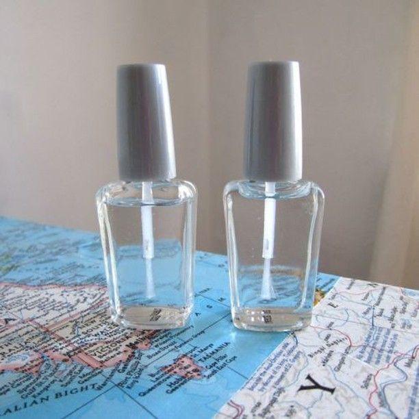 Свой собственный матовый лак для ногтей сделать очень просто- смешайте с прозрачным лаком любые тени для век.