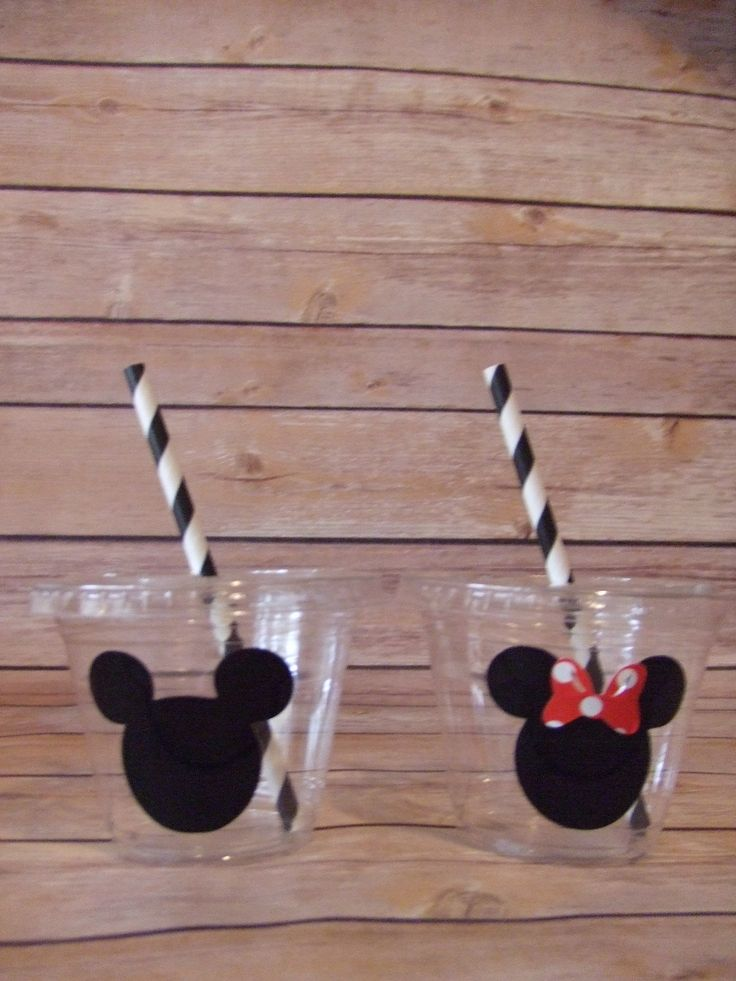 Mickey and Minnie Mouse Birthday Party Cups 9 oz or 12 oz Clear PET Plastic Cup with a flat lid This cup is very durable and crack-resistant, Very clear and sturdy Holds 9 oz or 12 oz Measurements 9 o