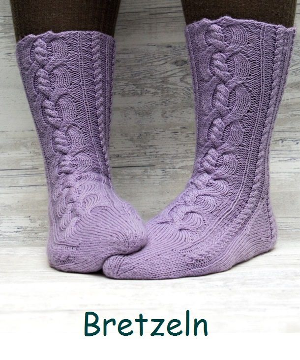 Bretzeln. A sock design with big and beautiful cables.