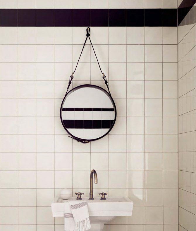Leather strap mirror by Gubi / DesignVille.cz