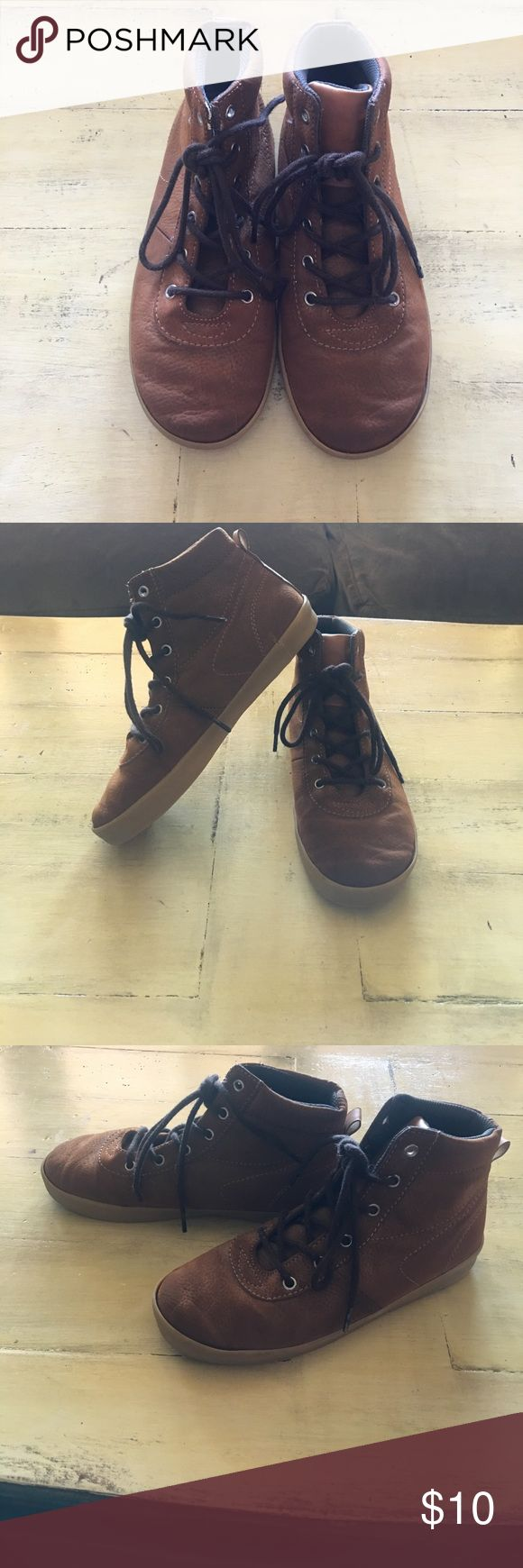 Brown ankle shoes for boys These shoes are in very good condition. Barely worn. Great dress shoes. Shoes Boots