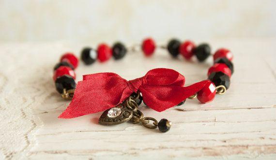 Elegant Christmas Bracelet Red Black Glass by BeautyfromashesUSA