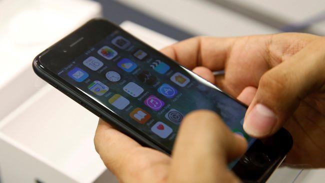 iPhone 8 bakal menjadi yang pertama tidak dilengkapi Home Button | PT. Equityworld Futures Pusat Pasalnya, Apple seperti dilansir Patently Apple baru saja memenangkan sebuah paten teknologi baru yang menjelaskan tentang teknologi pemindai sidik jari Touch ID bisa disematkan di bawah layar iPhone.…