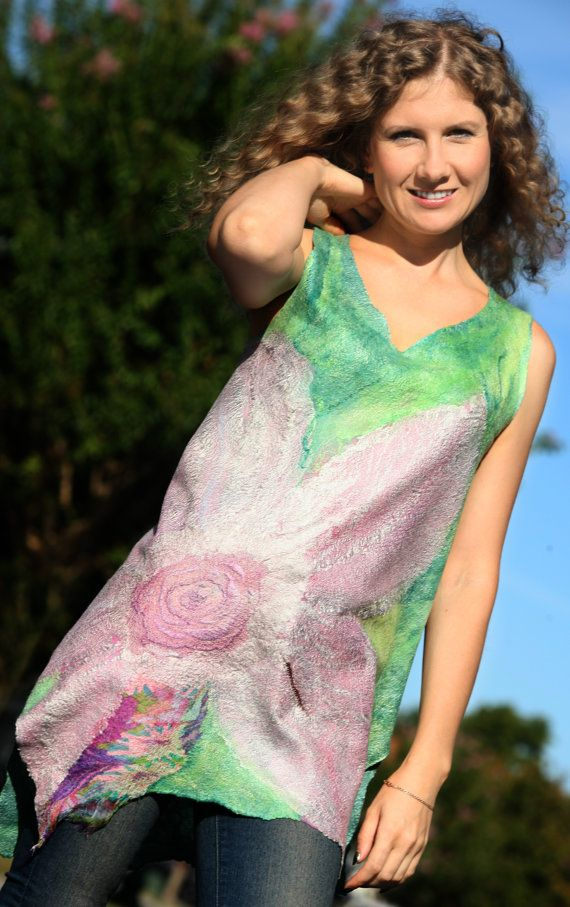 This is a TUTORIAL for making a light, felted tunic with a big flower with detailed step by step felting instructions for nuno felting.  This is a good
