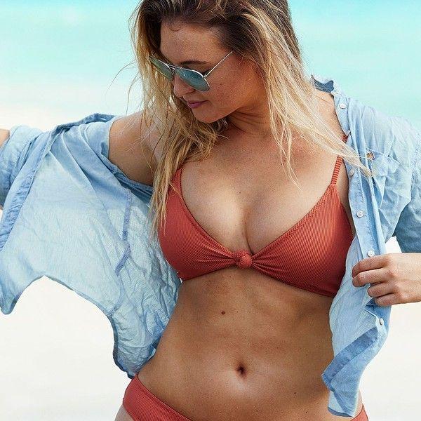 Aerie Knot Triangle Bikini Top ($30) ❤ liked on Polyvore featuring swimwear, bikinis, bikini tops, red, red swimsuit top, red triangle bikini, aerie swimwear, triangle bikinis and triangle swim top