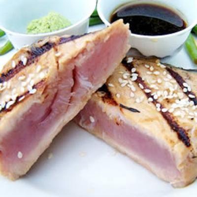 Sesame Seared Tuna: Fresh Tuna, Fun Recipe, Easy, Taste Tuna, Tuna Coats, Quality Fresh, Servings Rare, Sesame Seeds, Seared