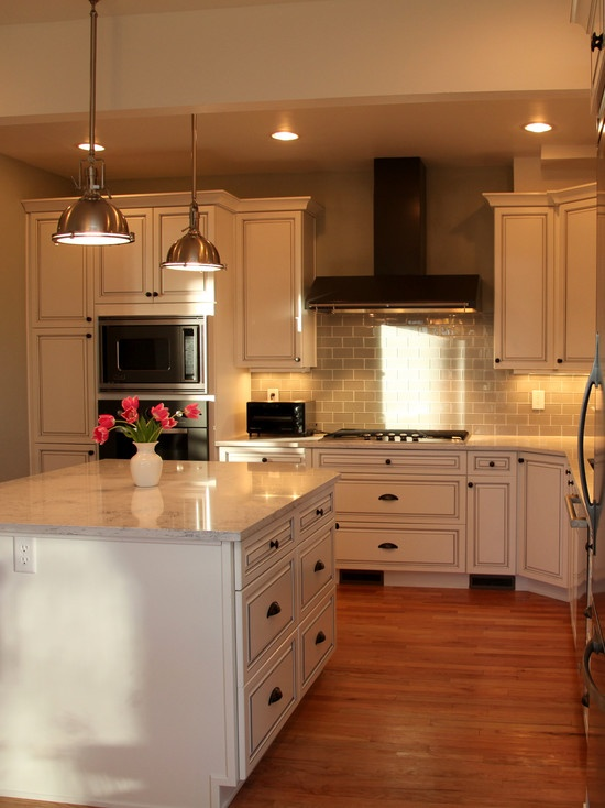 Subway Tile Backsplash And Antique White Cabinets Yes Please Kitchen Ideas Pinterest