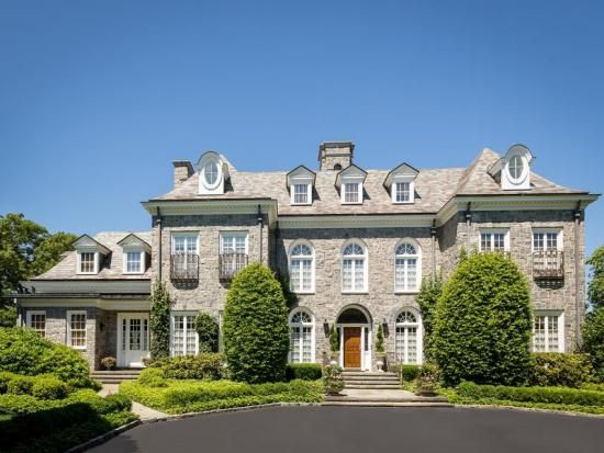Market spotlight long island new york stone mansion in for New york luxury homes for sale