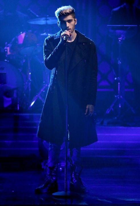 ゼイン・マリクがデビューアルバムのアートワークを公開!新曲を初パフォーマンス