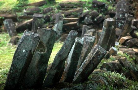 Bagian kontruksi batu kekar kolom dari situs gunung padang