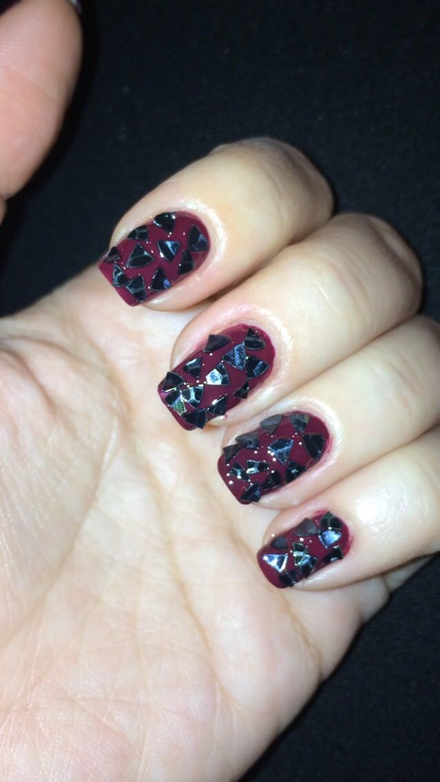 Nail art flakes red black holographic