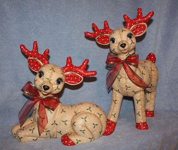 Jumbo mano pintado cerámica Navidad Reno por FlutterbyConnections