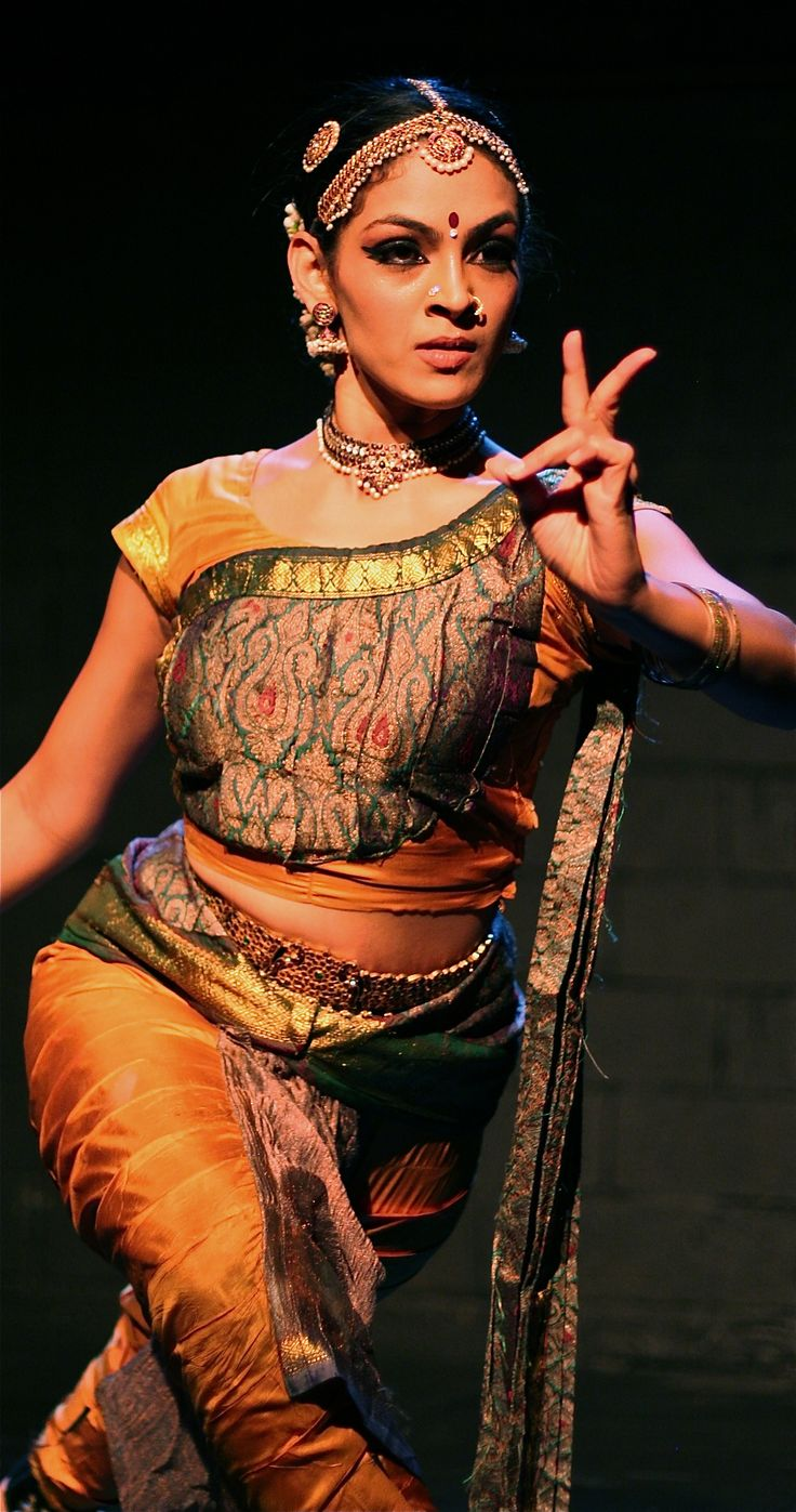 "bharathanatyam dance essay Somashekhari in a bharatanatyam dance pose the ornaments correspond to the i want to close my short essay about ""indian classical dance."