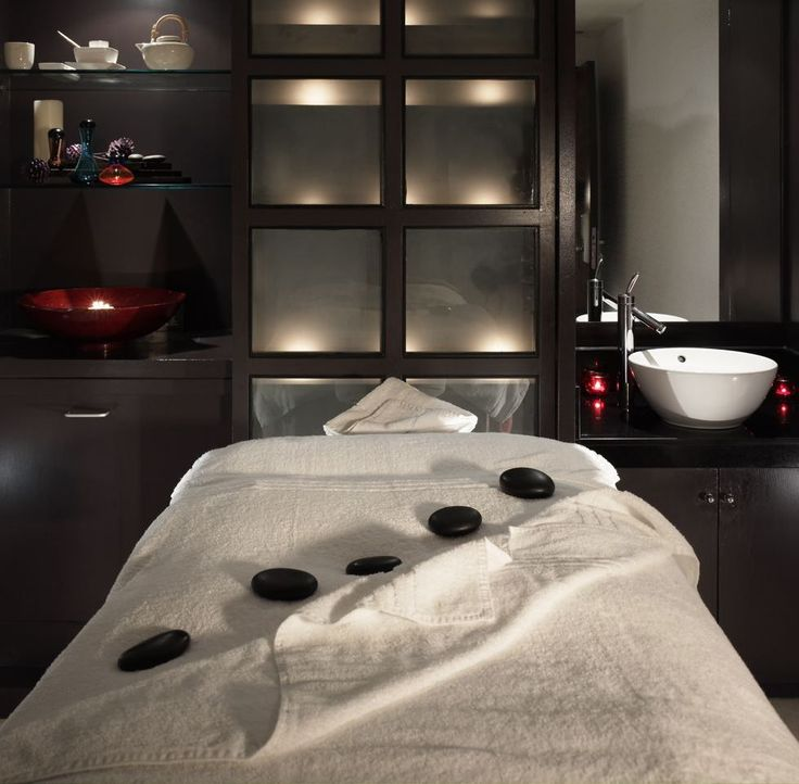 The first impression is so important in a treatment room-great visual impact with the stones!