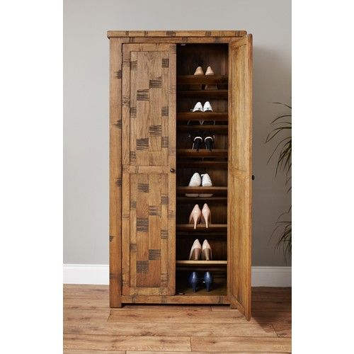 Keep your hallway clutter free with this Heyford Rough Sawn Oak large shoe cupboard.