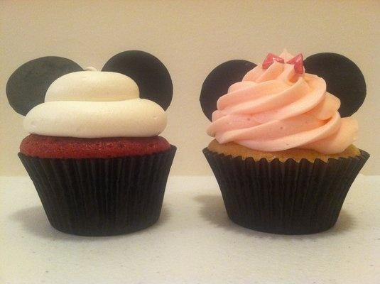 Mickey & Minnie cupcakes!