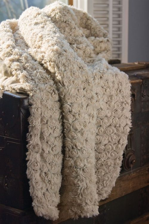 Quot Petals Faux Fur Throw 50 Quot Quot Hx60 Quot Quot W Ivory Quot Faux Fur