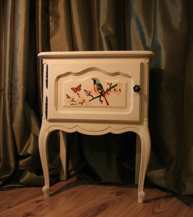 Upcycled Hand Painted Vintage, Antique And Shabby Chic Furniture For Sale  By Lingering Light Studios, Which Also Offers Bespoke Services For The UK