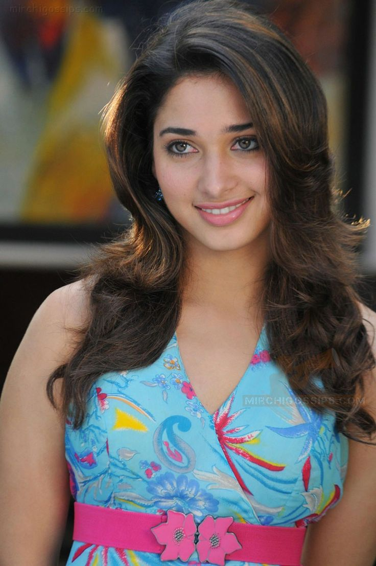tamanna bhatia hot and sexy actress in south indian with so much of