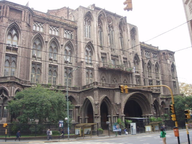 Facultad de Ingenieria (UBA) / Av. Las Heras