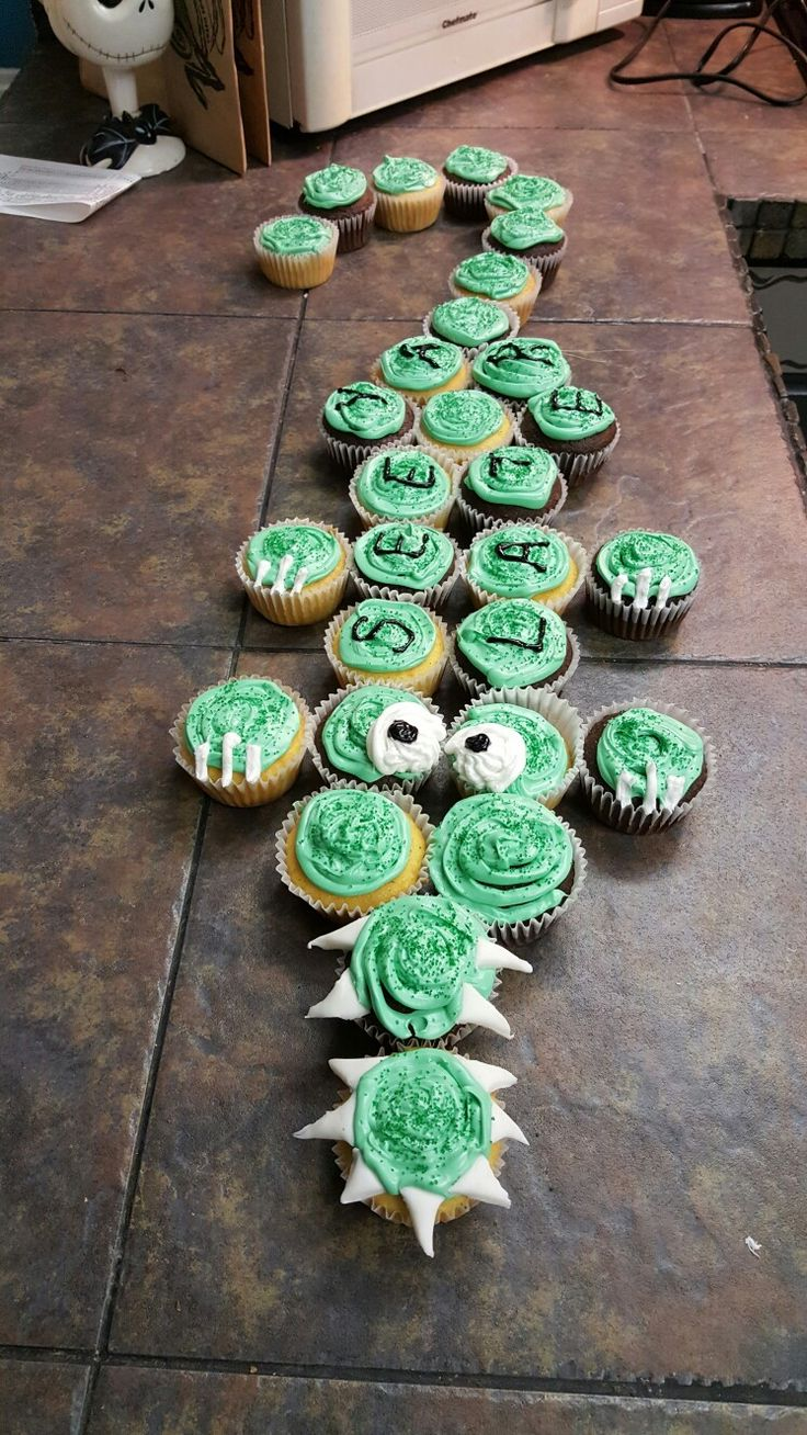 See ya later, alligator. Cupcakes for a going away party.