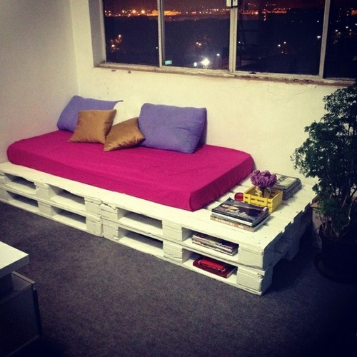 "Pallet Bed | ""paint pallets, stack em >foam cover w/ fabric"" 