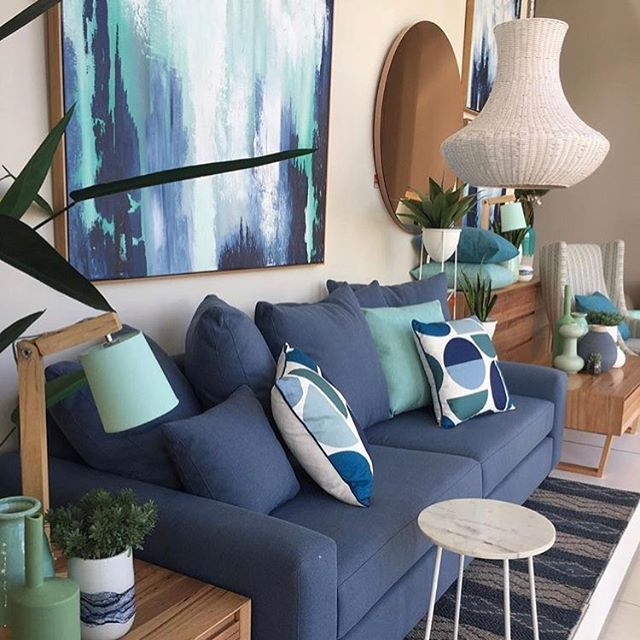Blue hues to style our Australian made Dallas sofa at our Essendon store in Melbourne #ozdesignfurniture #modernliving #living #homedecor #homeinspo #homewares #homebeautifulmagazine #contemporary #essendondfo #styling #home #F4F #furniture #FF #tagforlikes