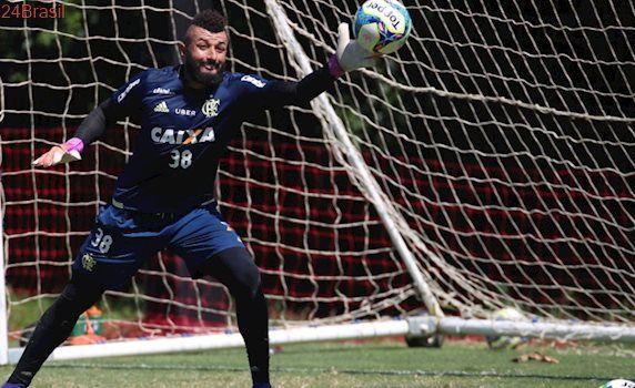 Campeonato Carioca: Goleiro do Fla provoca eliminados Vasco e Botafogo: 'Só pela TV'