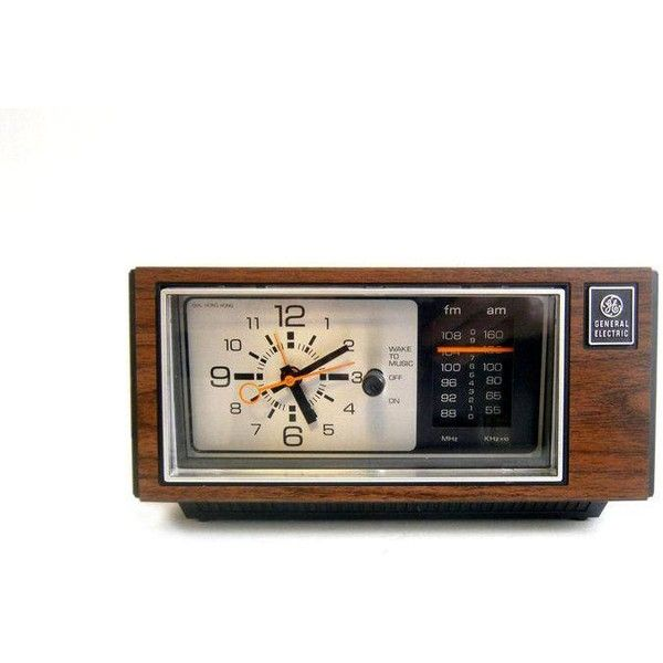 General Electric Alarm Clock Radio Wood Grain Mid Century Modern (695 MXN) ❤ liked on Polyvore featuring home, home decor, clocks, mid century home decor, mid century modern alarm clock, radio alarm clock, mid century clock and mid century modern clock
