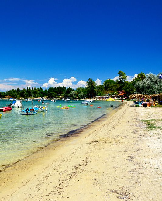 Vourvourou Beach, Sithonia, Halkidiki - Παραλία Βουρβουρούς, Σιθωνία, Χαλκιδική #greece #halkidiki #dreamingreece #greekbeaches