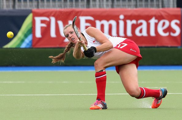 Giselle Ansley Photos Photos - Giselle Ansley of England as England play Malaysia at the Glasgow International Hockey Centre during the Commonwealth games on July 27, 2014 in Glasgow, Scotland. - 20th Commonwealth Games: Hockey