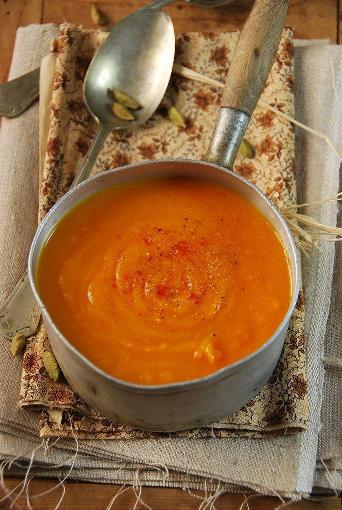 Velouté de potimarron à la cardamome et au curry {recette}