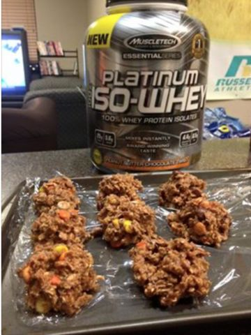 Ingredients: 1 1/2 cup rolled oats 1/2 cup or 2 scoops ofMuscleTech Whey Protein 1 T chia seeds 1/2 cup peanut butter 3 T honey 1 tsp vanilla extract 2-4 T of