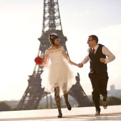 Aaron and Nicole were married in Australia and honeymooned in Paris. They decided to have a symbolic ceremony while they were there.