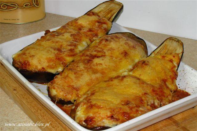 Kolejne pyszne danie prosto z Grecji, a raczej prosto od Iwonki . Bardzo mi posmakowała taka wersja bakłażana. Kiedyś bardzo podobne danie robiłam z kabaczkiem,
