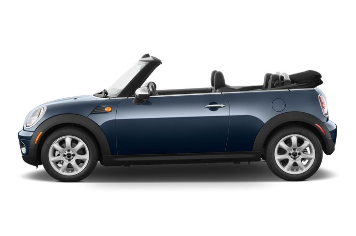 Motor Trend reviews the 2010 MINI Cooper where consumers can find detailed information on specs, fuel economy, transmission and safety.