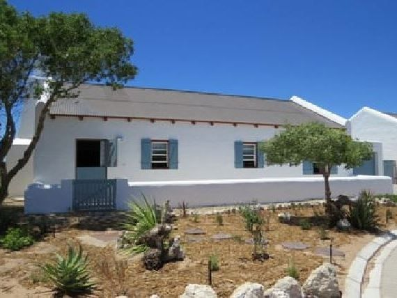 Casares - Casares is a tastefully decorated self-catering house ideally located just 250 m from the beach in Mosselbank, Paternoster. The house can accommodate up to six guests and comprises three bedrooms, two ... #weekendgetaways #paternoster #southafrica